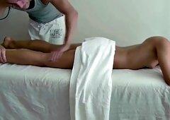 A massage turns into a hardcore pussy stuffing