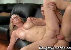 Stunning buxomy experienced woman Annabelle Brady featuring blow job video
