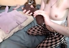 Givin a perfect blowjob and jerk