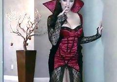 Sexual Halloween Vampire Taylor Vixen masturbates
