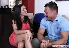 Marvelous unhaved Ariella Ferrera got a comshot straight in her mouth