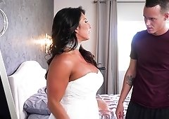 Raven Hart is a curvy chick who enjoys bouncing on a boner