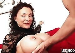 Piercing Titten Monster MILF ins KOMA gebumst