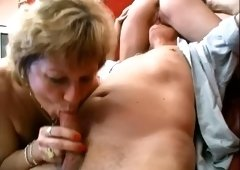Brunette milf with her blonde cougar friend share one dick