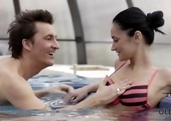 OLD4K. Fucking a young chick in jacuzzi