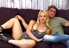Nude Jason Moody puts his wiener into Sarah Vandella's mouth