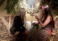 Smoking hot Savannah enjoys pussy play with girlfriend