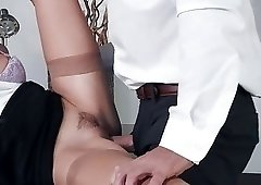 Seduced secretary gives a good head down on the knees