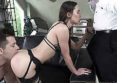Svelte bitch in black stuff Lilu Moon works on two strong cocks