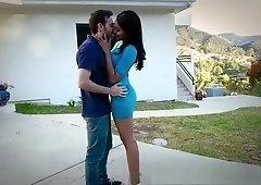 Jenna Foxx sneaks her boyfriend in her room