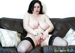 Chubby old bitch Sabrina Jade gets rid of her blue dress to masturbate a bit