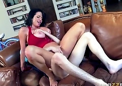 Cougar porn video featuring Veronica Avluv and Jordi El Niño Polla