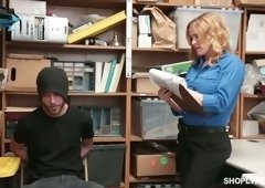 Sexy policewoman Krissy Lynn punish one shoplifting dude in the back room