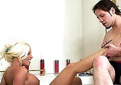 Blonde MILF Britney Amber gets fucked in the shower and pegs her man