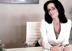 Boss Veronica Avluv sucks employee cock